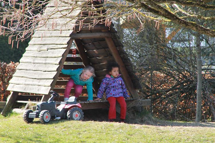 Ein-kleines-Spielhaus